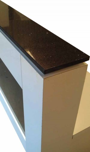 Black and white Counter for foyer