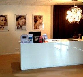New counter for Cosmetic Medical Clinic