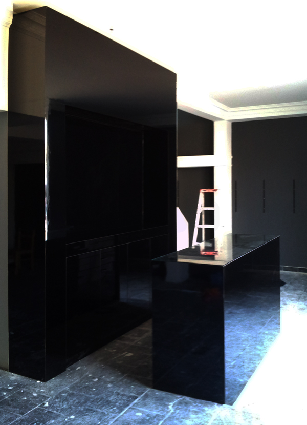 Black gloss reception desk