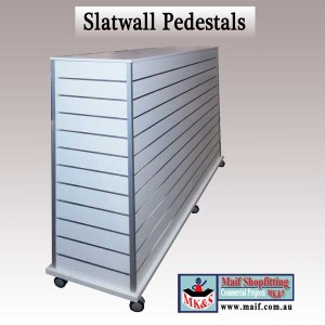 Slatwall mobile display