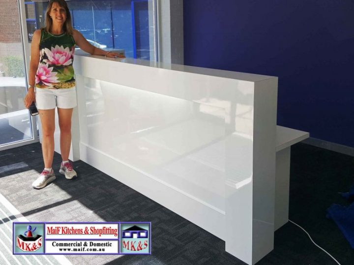 Custom consultation reception desk