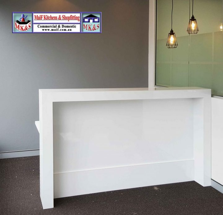 Gloss reception desk