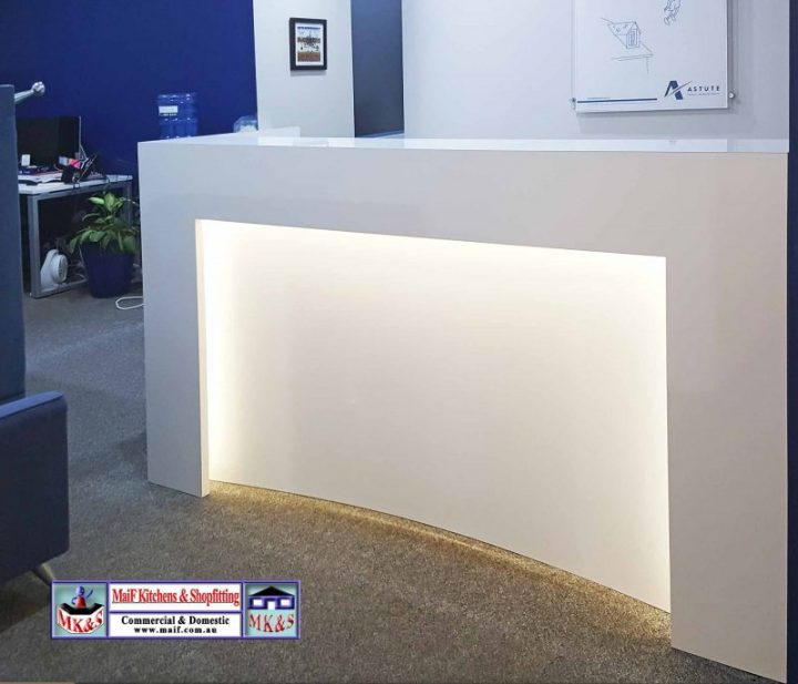 Curved Feature Reception Desk